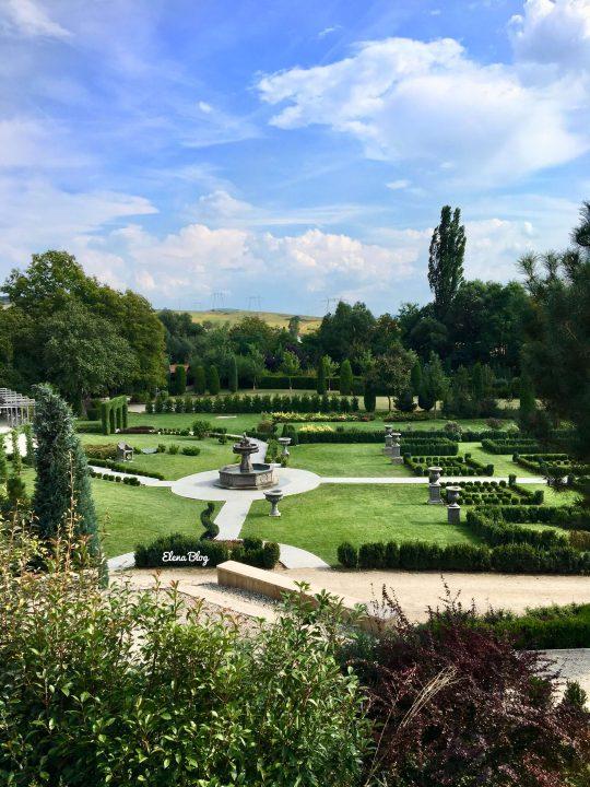 În vizită la Villa Vinci-I Giardini di Zoe